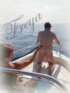 Surprise au soleil. dans Vécu domination fouet-bateau-2-225x300